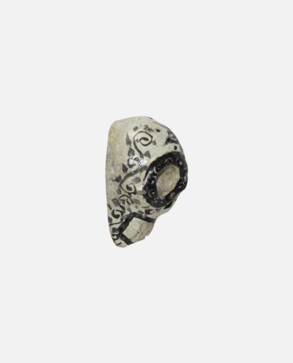 pendentif terre cuite artisanal forme calavera couleur blanc profil