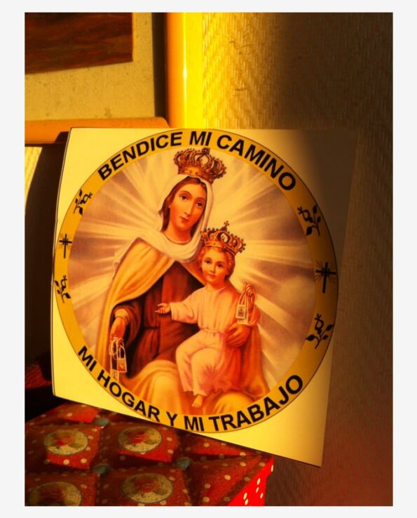 Sticker religieux image Vierge Marie et l'enfant