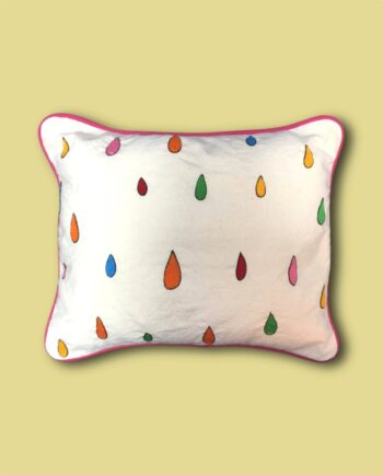coussin-brode-main-gouttes