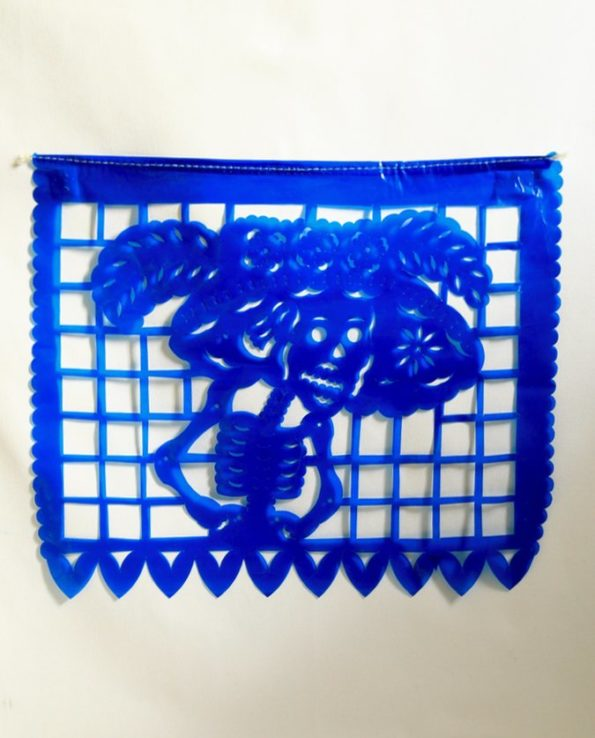 papel picado bleu