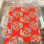 Nappe prédécoupée en toile cirée mexicaine modèle ramilletes rouge