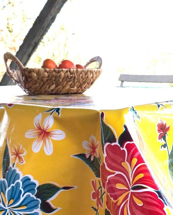 Nappe prédécoupée en toile cirée mexicaine modèle hibiscus jaune - détail