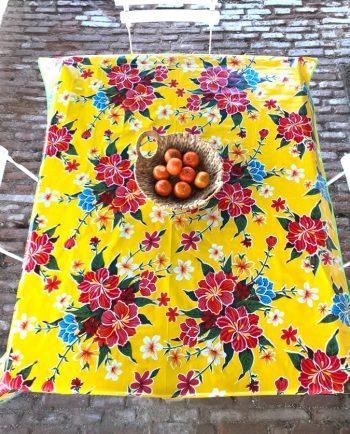 Nappe prédécoupée en toile cirée mexicaine modèle hibiscus jaune