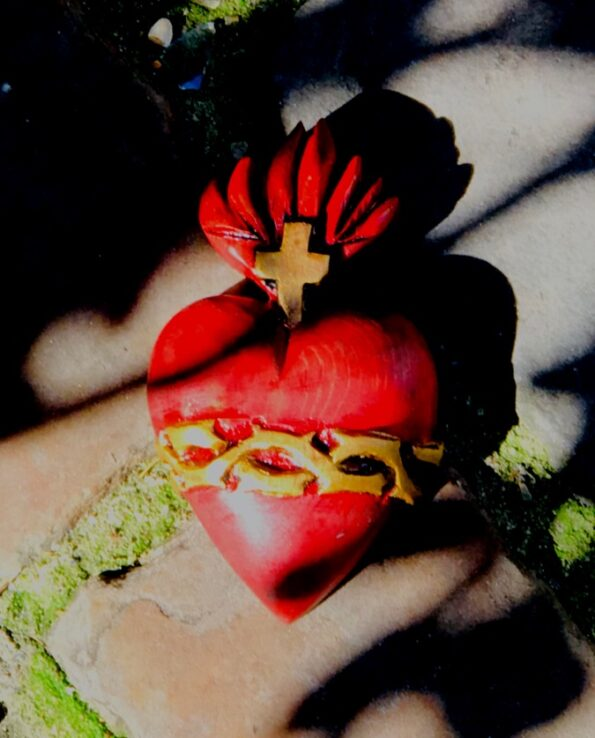 coeur sacré couroné rouge 4