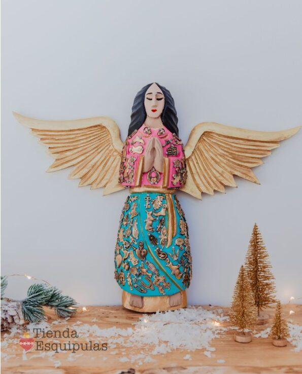Ange mural serti de milagros
