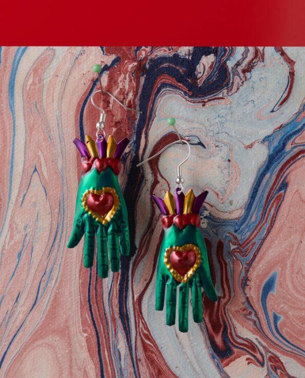 Boucles d'oreilles main coeur couleurs assorties - Vert
