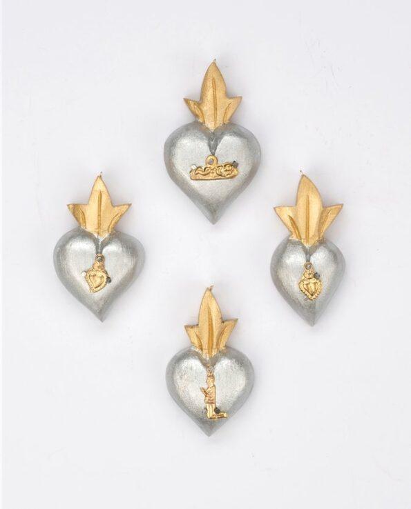 Mini coeur bois serti de un milagro - patine nacrée argent